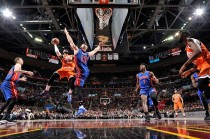 James Cetak Triple-Double, Cavs Tekuk Pistons 128-96