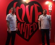 Duo Legenda Manchester United Bersilaturahmi ke Indonesia