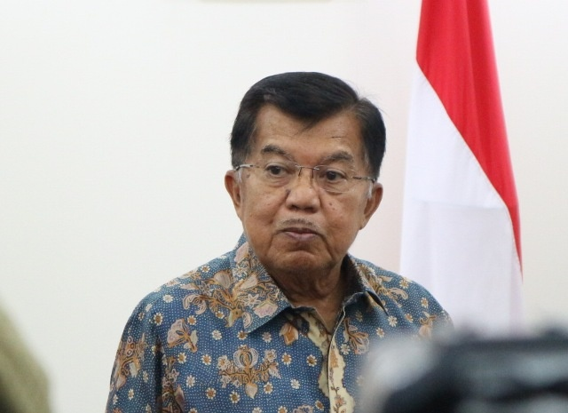 Kalla Welcomes Pence, Asks America First Policy