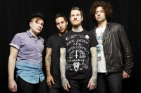 Fall Out Boy Luncurkan Young and Menace Sebelum Rilis Album Baru