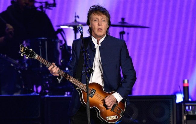Paul McCartney Berkostum Bajak Laut di Film Pirates of the Carribean 5
