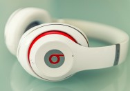 Headphones Beats Meledak di Pesawat, Apple Tolak Ganti Rugi