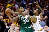 Boston Celtics Bungkam Cavaliers