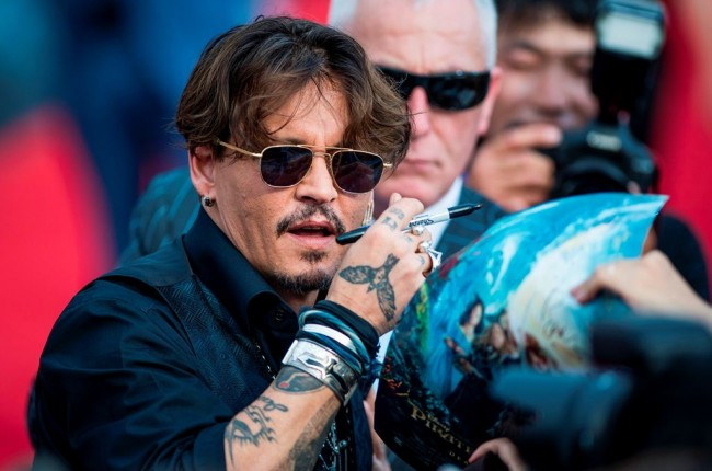 8 Buku Bacaan Favorit Johnny Depp