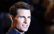 Tom Cruise Jawab Rumor Proyek Film Top Gun 2