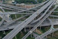 Drivers Bewildered by Twisting Chinese Interchange