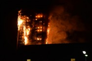 Massive Fire Ripped Apartement in London, Resident Trapped