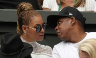 Returning to Music, Jay-Z Sorry for Cheating and Loves Gay Mom
