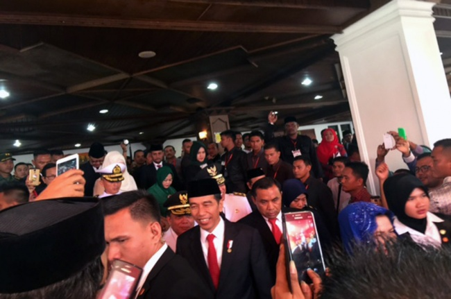 Jokowi Attends Aceh Governor's Inauguration Ceremony