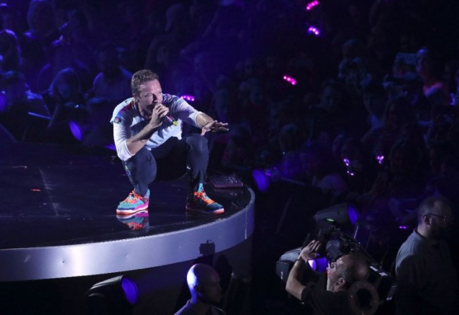 Coldplay Release Song to Support Migrants