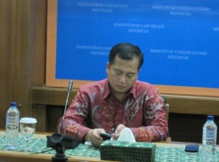 Malaysia Urged to Deport illegal Indonesian Workers Quickly