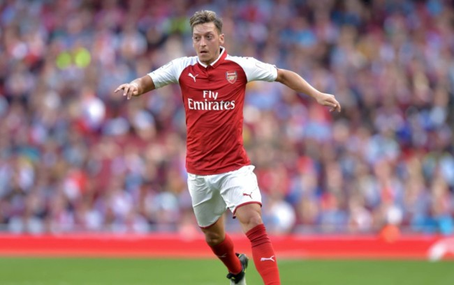 Oezil dan Ramsey Dipastikan Fit Tampil di Community Shield