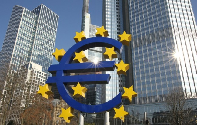 Strong Euro Worries Europe's Exporters, but Little Risk to Growth