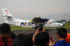 Pilot Esther Bangga Terbangkan N219