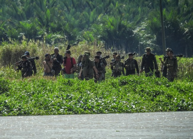 Philippine Troops Back Muslim Rebels Fighting Pro-IS Group