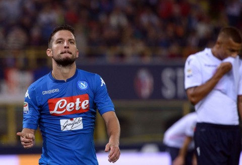 Dries Mertens merayakan gol ke gawang Bologna (AFP PHOTO / FILIPPO MONTEFORTE)