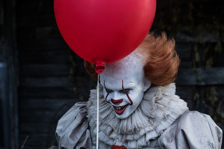 Badut Pennywise di film It (warner bros)
