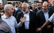 Squeezed on All sides, Hamas Bids for Reconciliation