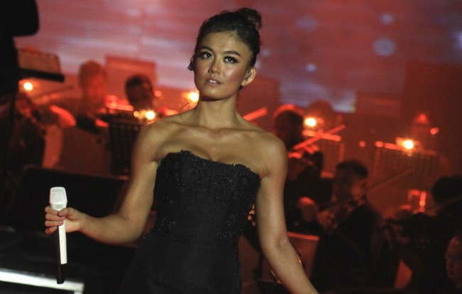 Singel Long As I Get Paid Agnez Mo Terpopuler di Youtube