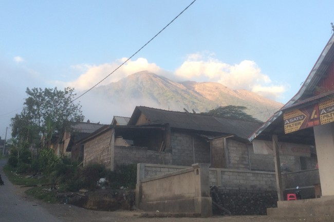 BNPB Has Recorded 96,086 Mount Agung Evacuees: Spokesman