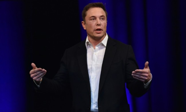 SpaceX's Musk Unveils Plan to Reach Mars by 2022