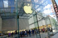 AS Semakin Sering Minta Data Pelanggan Apple