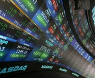 Wall Street Capai Level Tertinggi di Tengah Data Ekonomi