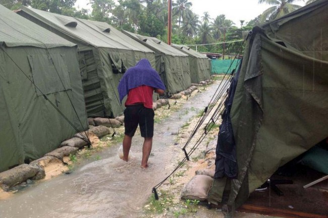 Australia Offers to Move PNG Refugees to Nauru