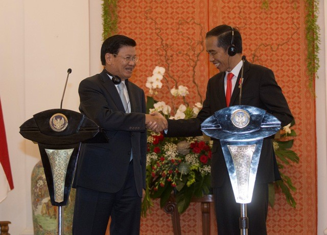 Jokowi-Laos PM Discuss Rakhine Refugee Crisis