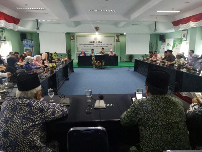 Program Vaksin MR Dinilai Dipaksakan