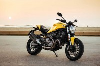Ducati Monster 821 Bergaya Old School
