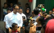 Anies Meets with Jokowi at Palace