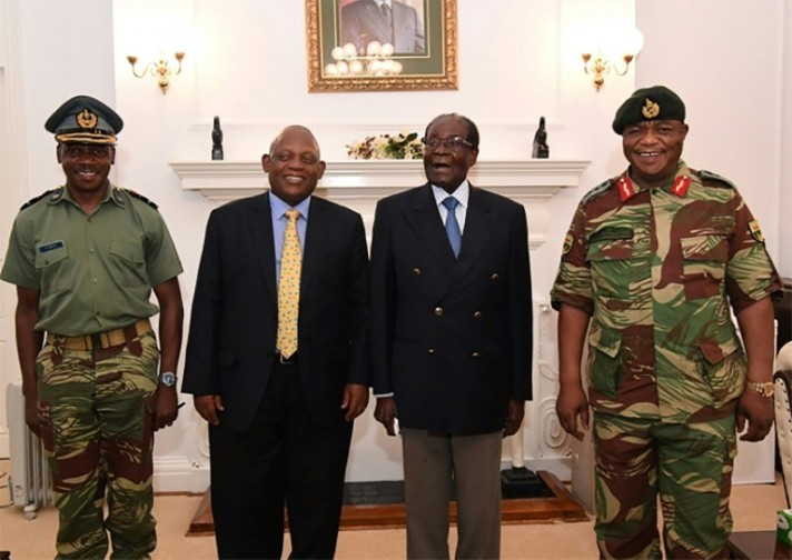 Mugabe Refuses to Stand Down in Talks with Military