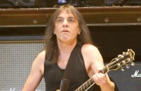 Gitaris Band AC/DC Malcolm Young Meninggal Dunia