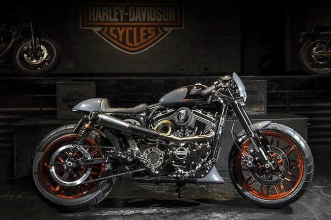 H-D Roadster 'Bombtrack' Cafe Racer Jawara Battle of The Kings