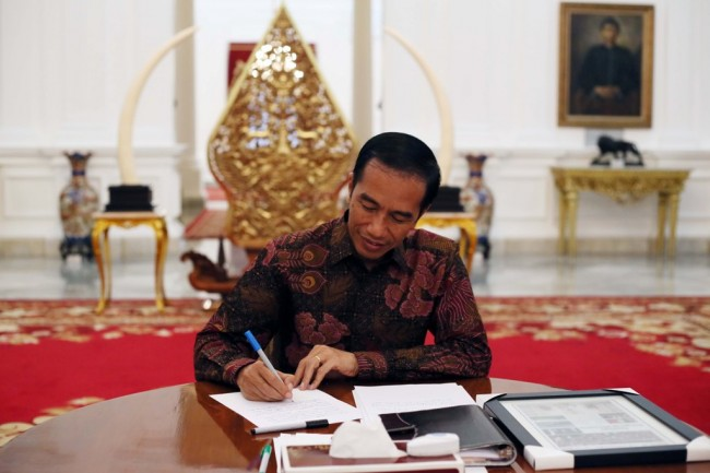 Jokowi Receives World Bank Officials in Bogor