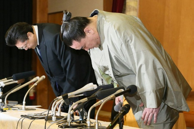 Sumo Grand Champion Steps Down after Brutal Attack