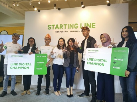 Pemenang kompetisi LINE Student Partner dan CommuLINEnity Manager dalam program STARTING LINE.