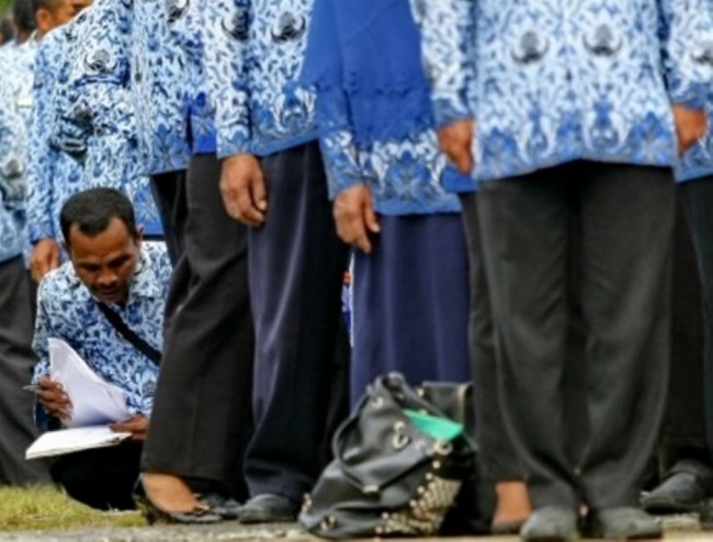 Govt to Open 120 Thousand Civil Service Jobs in 2018