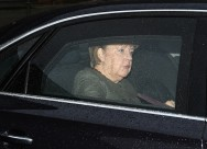 Merkel Resumes Talks to End Political Stalemate