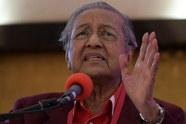 Malaysia's Mahathir, 92, Eyes Comeback in Opposition He Once Crushed