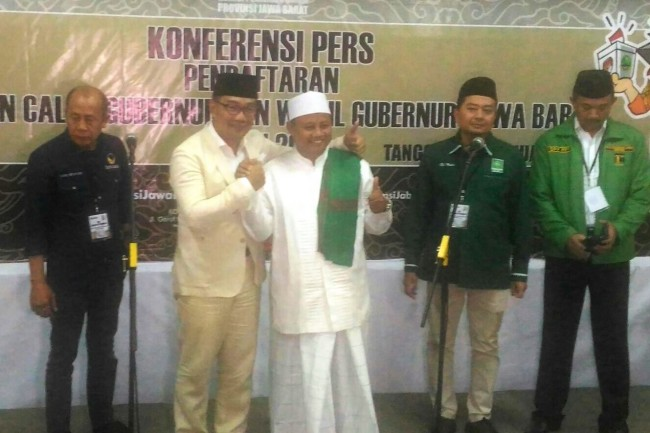 Ridwan-Uu Register for West Java Election