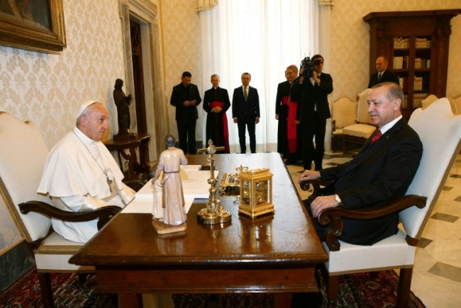 Erdogan Meets Pope as Rome Bans Protests