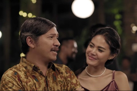 Gading Marten dan Della Dartyan dalam Love for Sale (youtube-visinema)