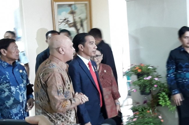Jokowi Opens Meeting with Overseas Representatives