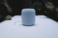 Apple Kembali Pamer Speaker HomePod