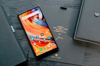 Video Ini Pamer Fitur iPhone X di Xiaomi Mi Mix 2s