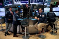 Laporan Kebijakan Moneter The Fed Topang Gerak Wall Street