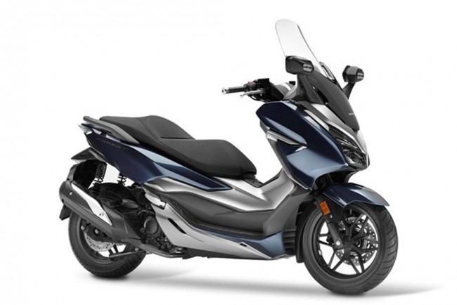 honda pcx vs forza 125 with 8n087dyn New Forza 300 Senjata Honda Lawan Xmax 300 on Versus Honda Pcx125 Vs Yamaha X Max 125 likewise Watch together with Forum Scooter Honda Forza 300 in addition Honda Pcx 2016 Chega   Mudancas further Nouveau Xmax 125 2018 Il A Tout Des Grands 300 Et 400.