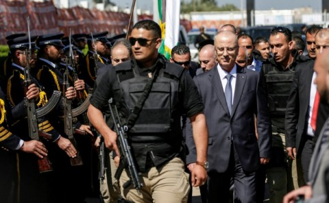 Palestinian prime minister Rami Hamdallah arrives in Gaza City on March 13, 2018 for a rare visit that was cut short after an explosion near his convoy. (Photo:AFP/Mahmud Hams)